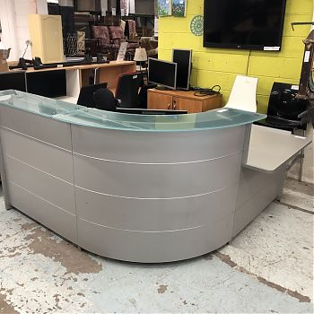 USED CURVED RECEPTION COUNTER