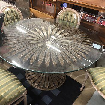 EX 5-STAR HOTEL BESPOKE DISPLAY TABLE