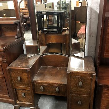 ORNATE OAK DRESSER WITH MIRROR