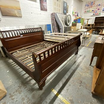 6FT STAINED SOLID OAK SLEIGH BEDFRAME