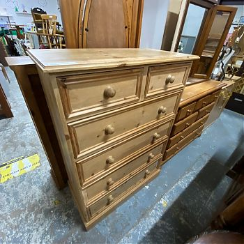 # 27002 - SOLID PINE 4 + 2 CHEST OF DRAWERS