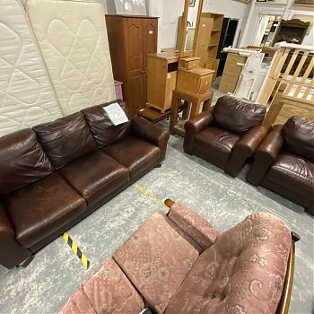 # 27050 - BROWN LEATHER 3+1+1 SUITE